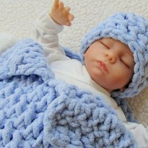 Finger-Weaved baby beanie and baby blanket